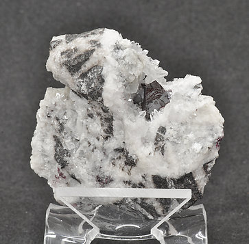 Cinnabar (twinned) on Quartz